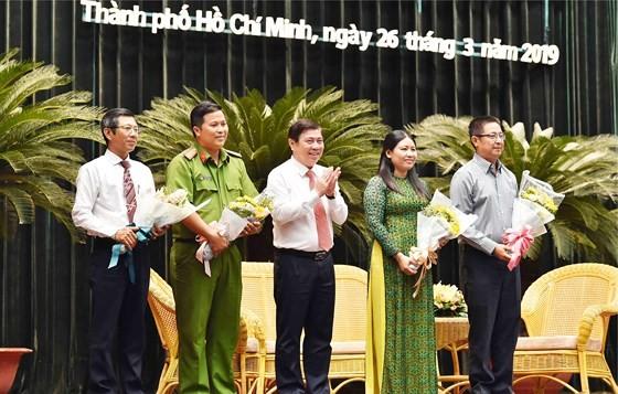 Bí thư Thành ủy TPHCM Nguyễn Thiện Nhân: Lấy sự hài lòng của người dân làm thước đo thi đua ảnh 1