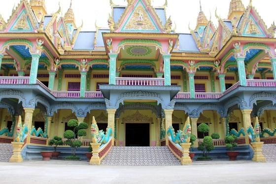 Ngôi chùa thu hút đông đảo giới trẻ miền Tây kéo đến check-in ảnh 11