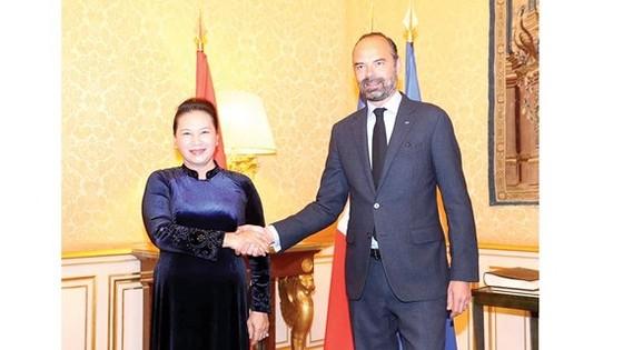 Chủ tịch Quốc hội Nguyễn Thị Kim Ngân hội kiến Thủ tướng Pháp Edouard Philippe