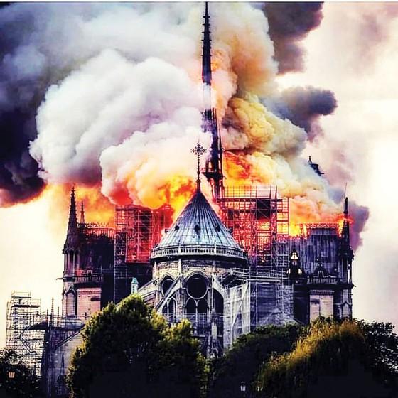 Nhà thờ Đức Bà Paris cháy: Cần 10-20 năm phục dựng ảnh 1