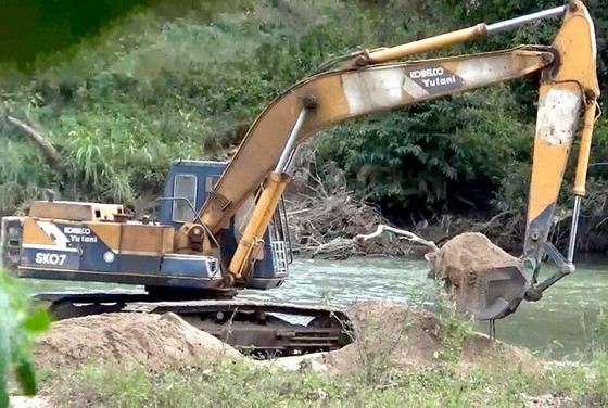 Cát sông ở Tây Nguyên bị khai thác bừa bãi ảnh 1