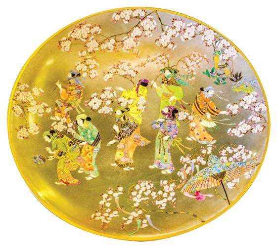 Sakura depicted on Satsuma ceramics ảnh 3
