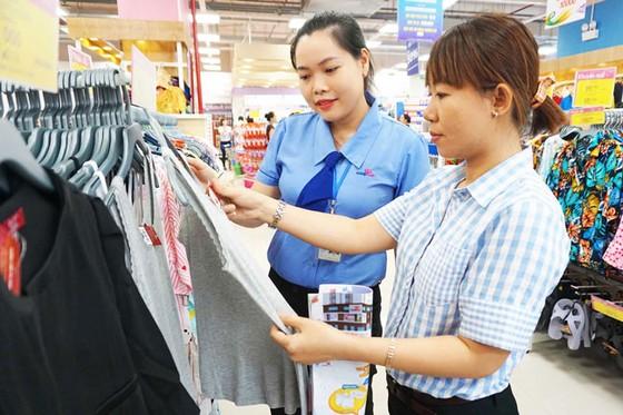 Giảm áp lực cạnh tranh cho hàng Việt ảnh 1
