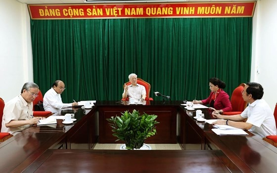 Đồng chí Tổng Bí thư, Chủ tịch nước Nguyễn Phú Trọng chủ trì họp lãnh đạo chủ chốt ảnh 1