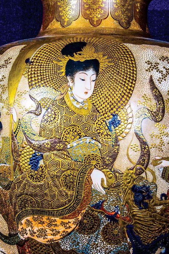 Ánh Đạo Vàng trên gốm cổ Nhật Bản ảnh 5