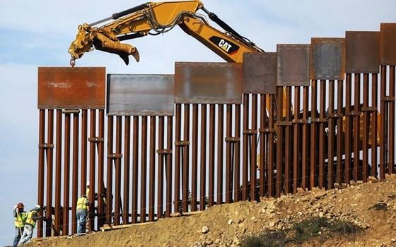 Xây tường trên biên giới Mỹ - Mexico