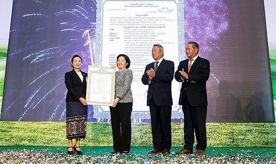 """Công ty Cổ phần Sữa Việt Nam (Vinamilk) chính thức ra mắt Công ty Lao-Jagro Development Xiengkhouang Co., Ltd. (Lao-Jagro) và khởi công xây dựng giai đoạn 1 của Tổ hợp """"Resort"""" bò sữa Organic với quy mô 5.000ha tại Lào."""
