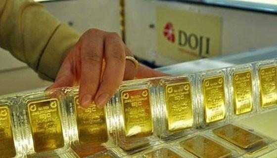 Vàng SJC lên gần 41,7 triệu đồng/lượng