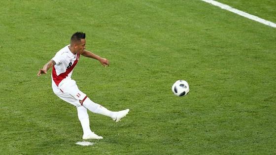 Peru - Đan Mạch 0-1, Lính chì lạnh lùng ghi điểm ảnh 4