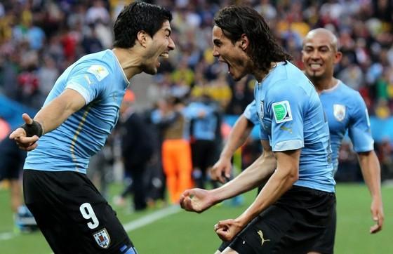 2 tay sát thủ Uruguay - Luis Suarez và Edinson Cavani.