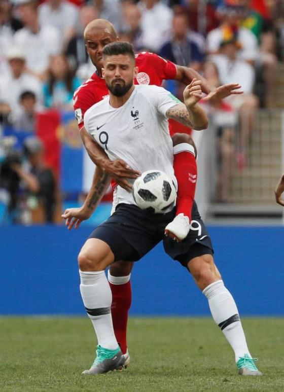 Pháp dắt tay Đan Mạch vào vòng knock-out ảnh 2