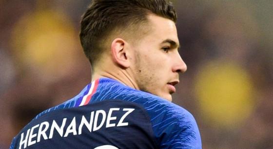 Trung vệ Pháp Varane e ngại Hazard, Lukaku ảnh 2