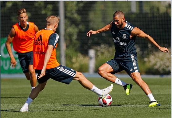 Bám trụ Bernabeu, Karim Benzema muốn trở thành huyền thoại Real Madrid ảnh 1