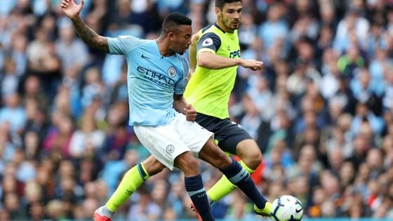 Man City - Huddersfield 5-1: Sergio Aguero ghi hattrick ảnh 3