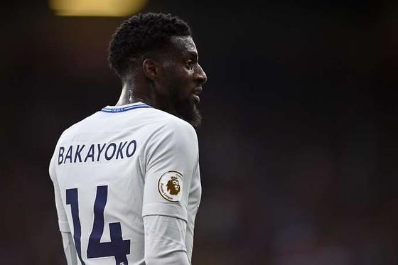 """Milan sẽ phải trả """"tù trưởng"""" Bakayoko cho Chelsea"""