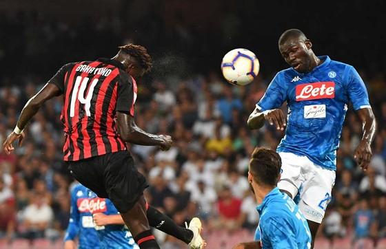 """Milan sẽ phải trả """"tù trưởng"""" Bakayoko cho Chelsea ảnh 1"""