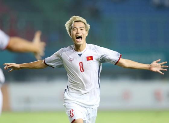 Ngày lịch sử của thể thao Việt Nam ở Asiad: Điển kinh nhặt HCV, bóng đá vào bán kết  ảnh 2