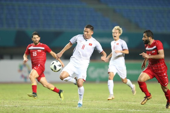 Ngày lịch sử của thể thao Việt Nam ở Asiad: Điển kinh nhặt HCV, bóng đá vào bán kết  ảnh 1