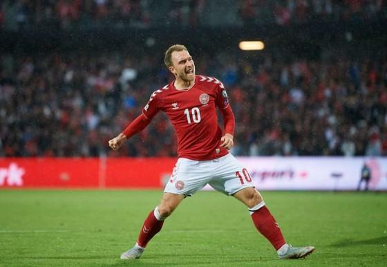 Christian Erikson mừng bán thắng ở tuyển Đan Mạch