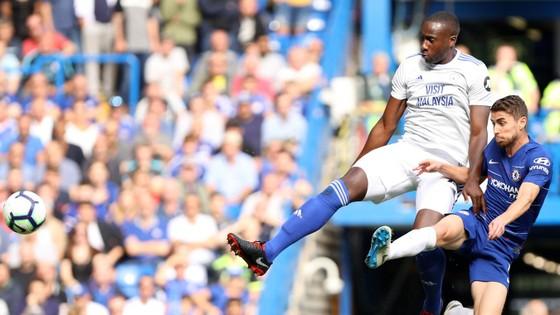 Chelsea - Cardiff City 4-1:Hazard ghi hat-trick, Chelsea chiếm ngôi đầu ảnh 1
