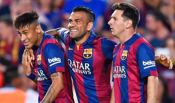 Neymar muốn trở lại Barca để đoàn tụ Messi ảnh 1