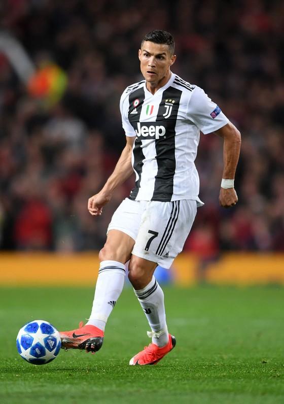 Ronaldo cân bằng kỷ lục ghi bàn 61 năm của Juventus ảnh 1