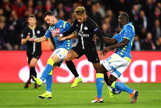 Neymar sẽ thể hiện tài năng trước các hậu vệ Napoli