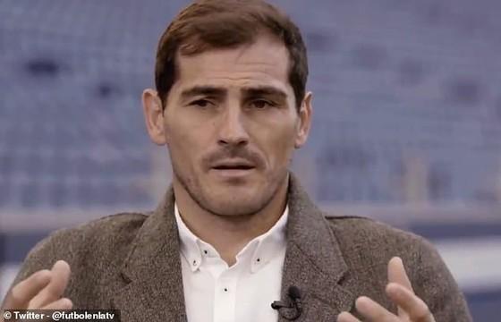 Casillas hối tiếc không nổi dậy chống lại Jose Mourinho ở Madrid ảnh 1