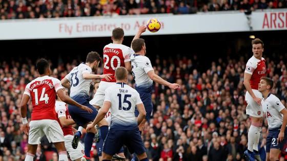 Arsenal - Tottenham 4-2: Màn trình diễn kinh hoàng ở Emirates ảnh 1