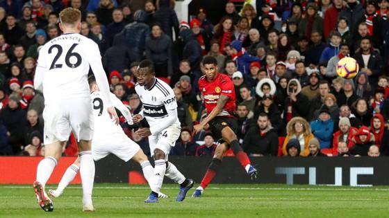 Man United - Fulham 4-1: Ashley Young và Juan Mata tỏa sáng ảnh 8