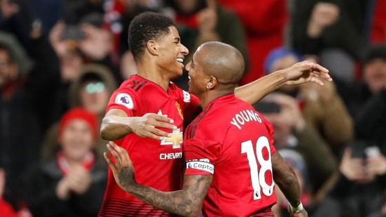 Man United - Fulham 4-1: Ashley Young và Juan Mata tỏa sáng ảnh 9