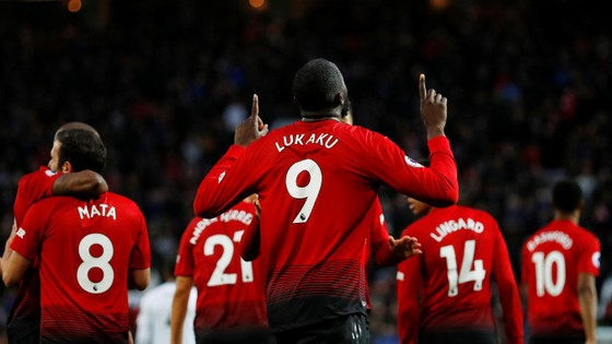 Man United - Fulham 4-1: Ashley Young và Juan Mata tỏa sáng ảnh 4