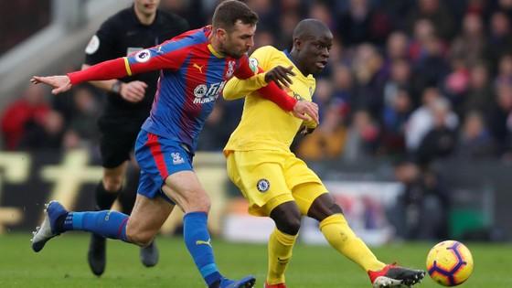 Chelsea thắng nhọc, HLV Sarri ca ngợi chiến công N'Golo Kante