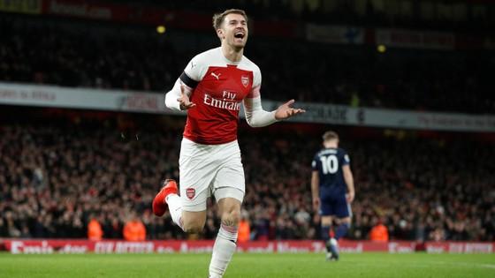 Arsenal vùi dập Fulham trong trận derby London ảnh 8