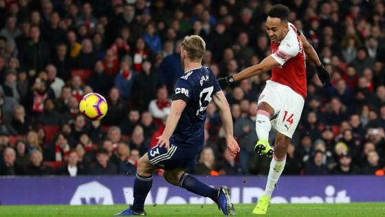 Arsenal vùi dập Fulham trong trận derby London ảnh 9