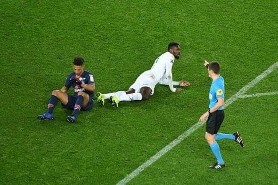 PSG bị loại khỏi League Cup vì quá kiêu căng