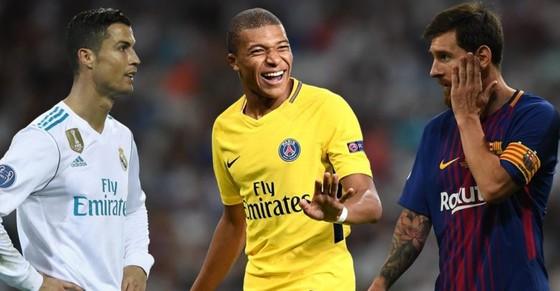 Qua mặt Neymar, Messi và CR7, Kylian Mbappe giờ có thể so sánh với Rô béo ảnh 1