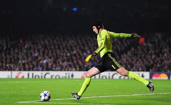 Thêm một huyền thoại Chelsea giã từ: Petr Cech tuyên bố giải nghệ cuối mùa ảnh 1