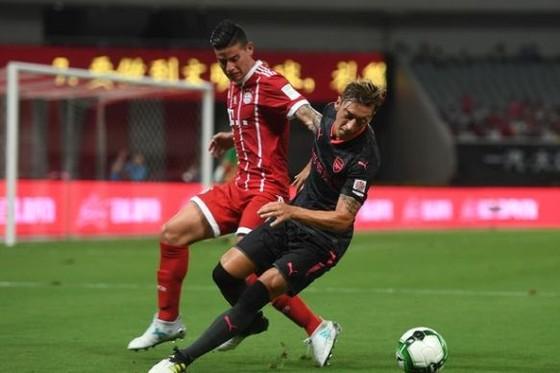 James Rodriguez sẽ thay thế Oezil ở Arsenal? ảnh 1