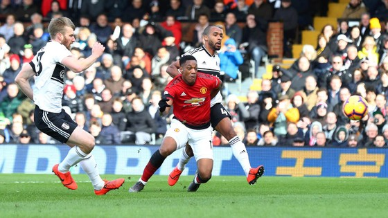 Thắng dễ Fulaham, Man United chiếm chỗ Chelsea trong tốp 4 ảnh 4