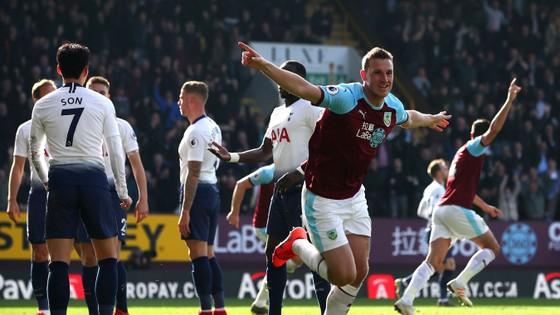 Burnley - Tottenham 2-1, Harry Kane trở lại nhưng Spurs vẫn té đau ảnh 4