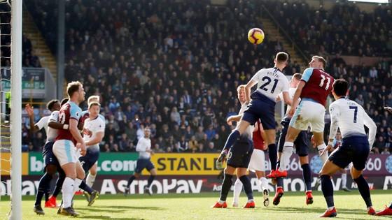 Burnley - Tottenham 2-1, Harry Kane trở lại nhưng Spurs vẫn té đau ảnh 3