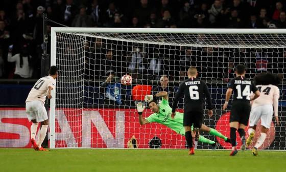 """Neymar sẽ bị treo giò vì gọi quả 11m của Man United là """"ô nhục"""""""