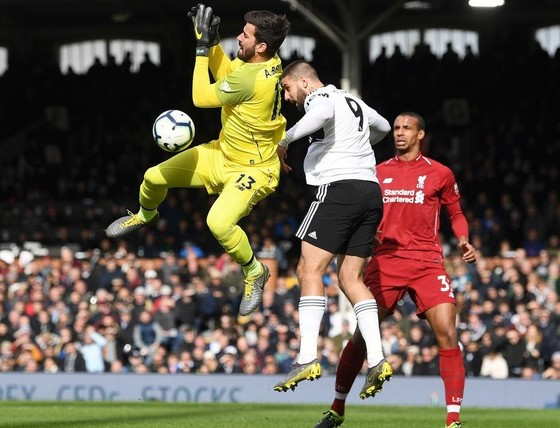 Fulham - Liverpool 1-2. Sadio Mane tỏa sáng, Liverpool chiếm ngôi đầu bảng ảnh 6