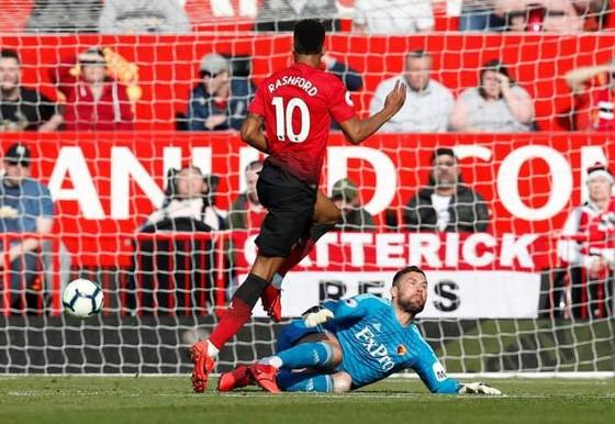 Man United - Watford 2-1, Rashford và Martial giúp Quỷ đỏ vào tốp 4 ảnh 4