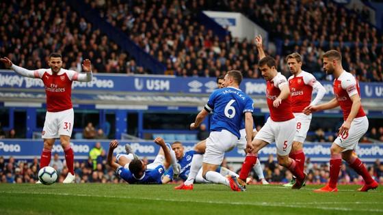TRỰC TIẾP: Everton - Arsenal - kẻ chọc gậy bánh xe ảnh 3