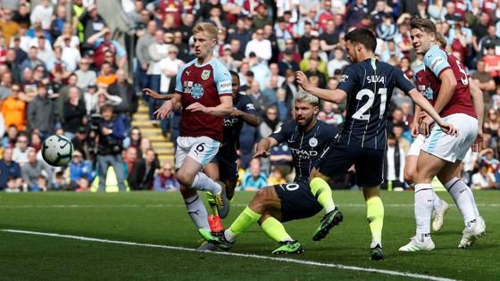 TRỰC TIẾP Burnley - Man City: Chờ Aguero lên tiếng ảnh 8
