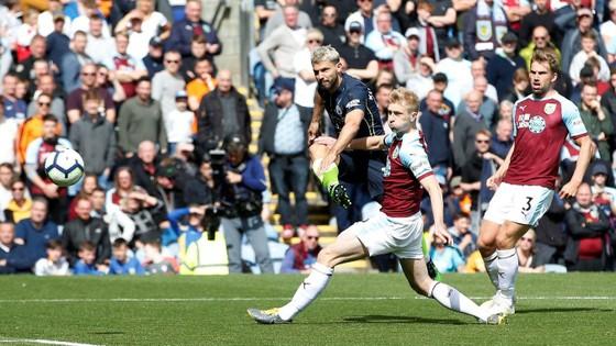TRỰC TIẾP Burnley - Man City: Chờ Aguero lên tiếng ảnh 6