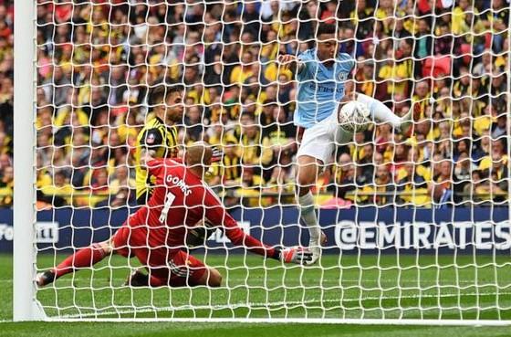 Man City - Watford: 6-0: Hattrick của Sterling, cú ăn ba củas Pep ảnh 4