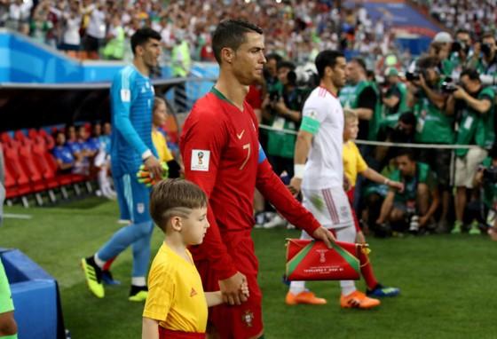 Ronaldo trở lại giúp Bồ Đào Nha chinh phục chiếc cúp châu Âu